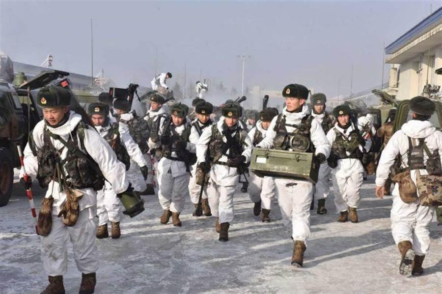 解放軍第78集團軍在東北地區進行備戰訓練。(圖/網路)