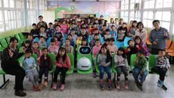 彰化二林興華國小上課了 有機器人zenbo當新同學