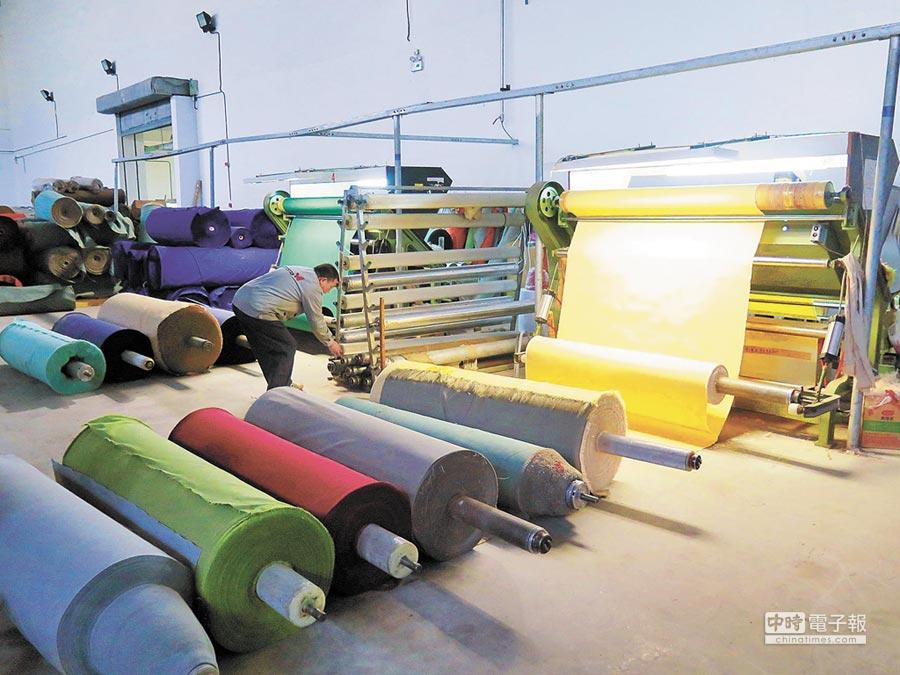 台商紡織廠製程採用環保高標準。(本報資料照片)