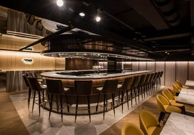 樂軒Urban室內46席座位,舒適空間設計帶給消費者絕佳用餐體驗。(圖片提供/樂軒Urban)
