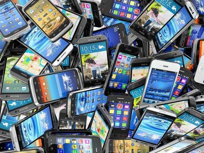 那一個智慧型手機品牌最認真修復系統漏洞呢?(達志影像/shutterstock提供)