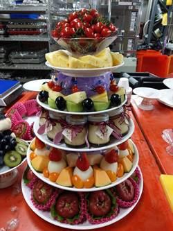 婚宴「水果塔」6層疊好疊滿 網:南部人就是霸氣