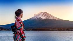 富士山掀起新風潮!外國遊客朝聖推爆
