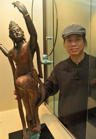 30年前一場大車禍  帶來吳凡「百態觀音」銅雕