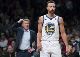 NBA》右踝扭傷無恙!柯瑞拒絕「出賣」隊友