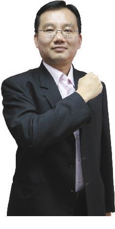 證券分析師黃勇文