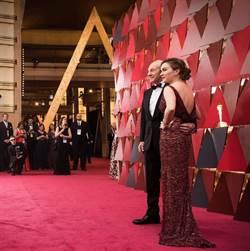 奧斯卡紅毯「恢復彩色」 女星比美戰袍盡出