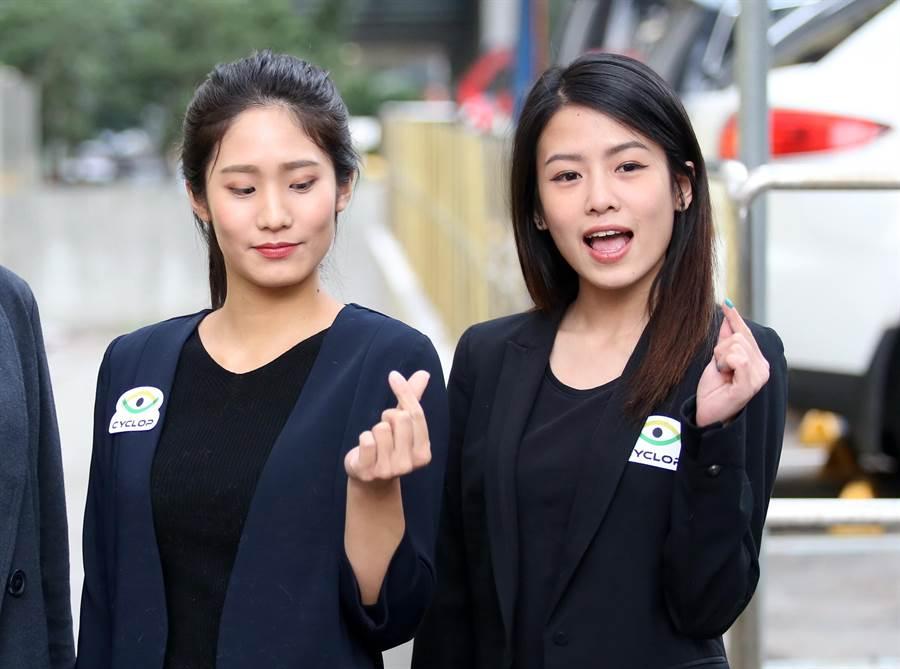 安麗盃的美女裁判陶薇薇(左)、張薰尹都相當吸睛。(李弘斌攝)