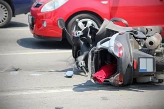 擦撞路停汽車 騎士骨折38天後離奇死亡