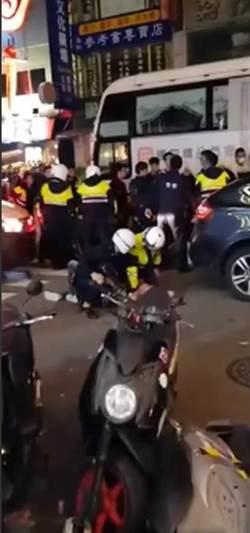 「艋舺」街頭上演 20古惑仔一中商圈爆全武行