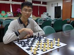 靠西洋棋啟蒙英文 詹明軒錄取台大外文