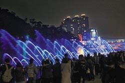 碧潭水舞吸客 人潮增45%