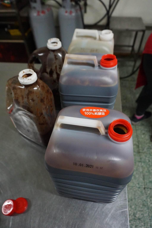 「老東家」滷汁選用5種醬油、油膏調味,標榜不添加糖、鹽、人工色素及防腐劑。(王文吉攝)