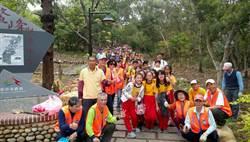 大秀學童徒步7公里 鰲峰山公園植樹淨山