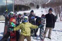 明新科大移地日本滑雪場 專業教練集訓