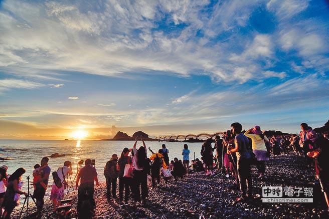 三仙台日出是許多攝影愛好者必拍景點。(莊哲權攝)
