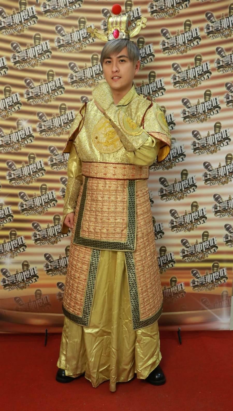 黃靖倫第一次穿古裝。(圖片提供:民視)