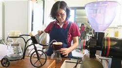 退休女警回歸田園 植樹造林分享咖啡香