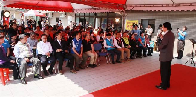 基隆市政府與各地民代於今(19)日在伊甸基隆區進行C級長照站的開幕儀式,成為全市第5個C級長照站。(基隆市政府提供)