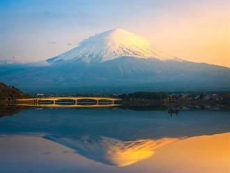 台客在河口湖慘被丟包 多花2萬元飛車到成田機場