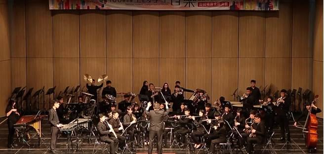 新北市莊敬高職音樂科參加「106學年度全國學生音樂比賽管樂室內樂合奏」,以90.92成績榮獲特優第3名。(葉書宏翻攝)