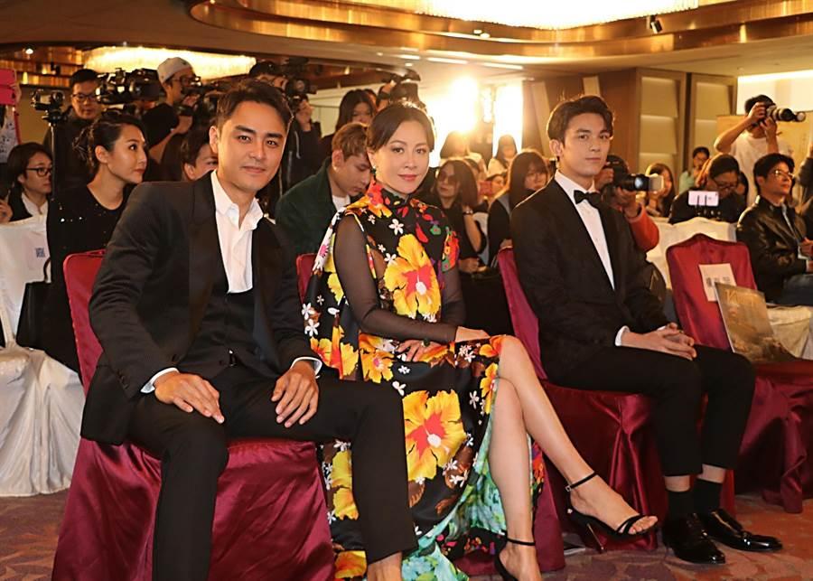 明道(左起)、劉嘉玲與吳磊。(明道工作室提供)