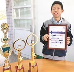 國二吳柏翰 越級挑戰AMC10拿滿分
