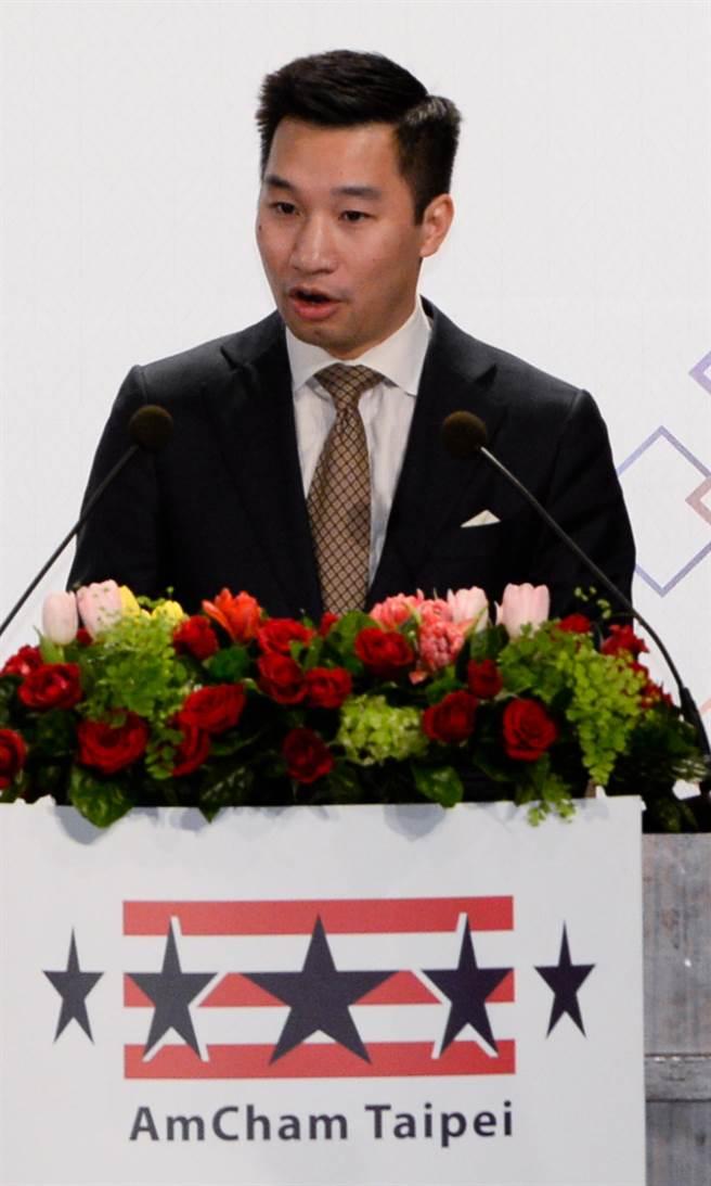 台北市美國商會21日舉辦謝年飯,美國國務院東亞暨太平洋事務局副助卿黃之瀚出席發表談話。(圖/王德為攝)