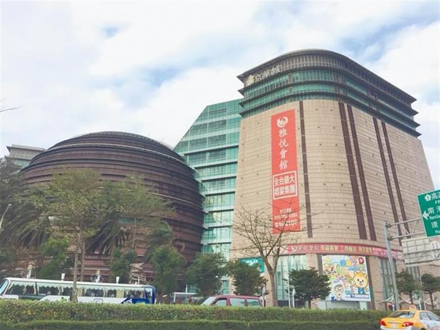 京華城傳出已委託戴德梁行公開標售。(本報系資料照片)