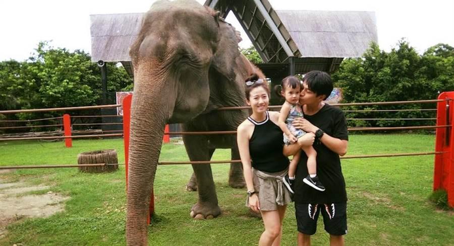 楊銘威、方志友及女兒一家幸福美滿。(取自臉書)