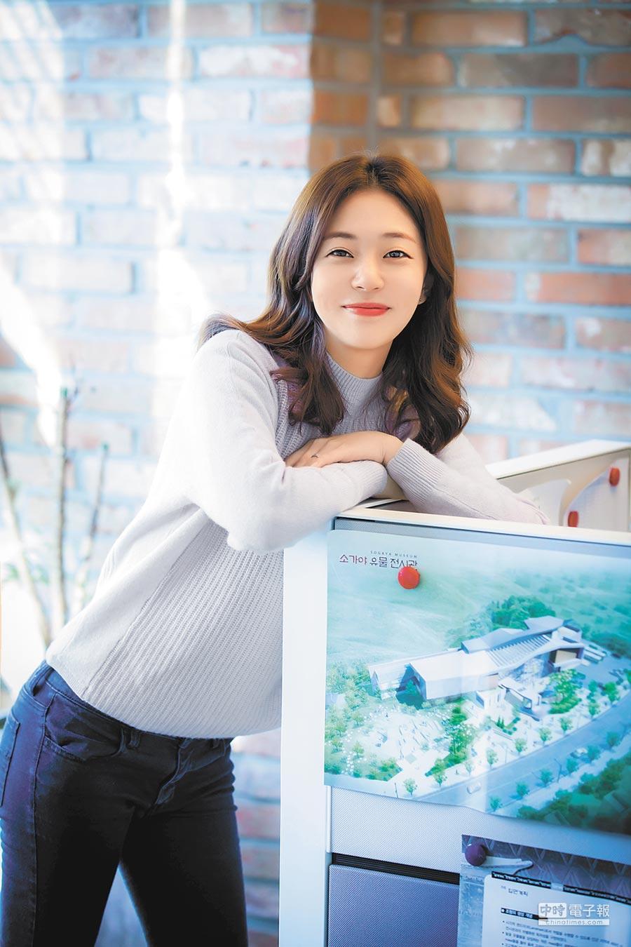 白珍熙飾演身世坎坷的女主角,表演受婆媽喜愛。