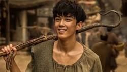 鮮肉吳磊拍攝新片《阿修羅》劇本如同筆記 明道害羞告白劉嘉玲