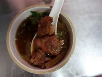 丸李排骨酥:肉質軟嫩湯頭濃郁