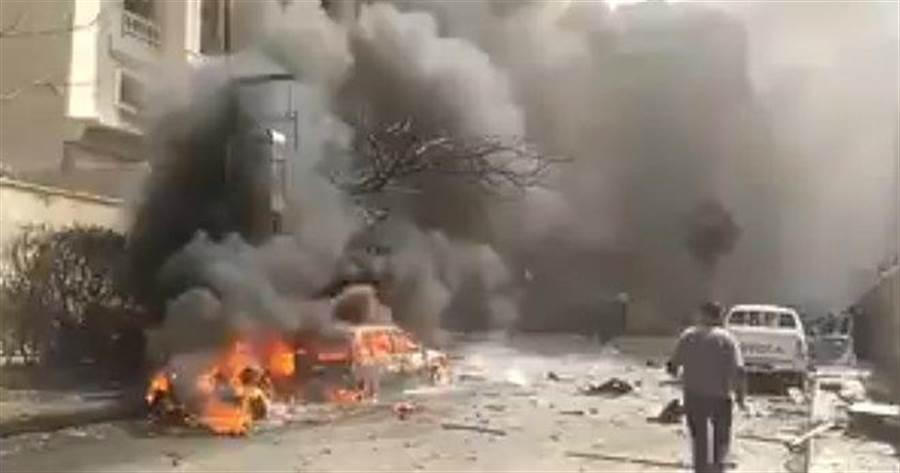 埃及亞歷山大市汽車炸彈爆炸現場(圖/推特)
