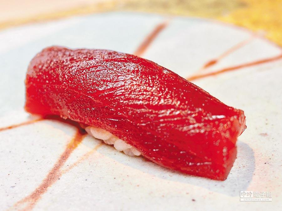 入口即化的頂級鮪魚大腹壽司。(鮨隆提供)