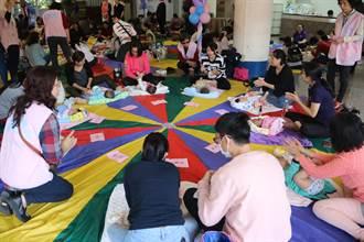 弘光科大邀國際專家示範 親子按摩散發「幸福賀爾蒙」