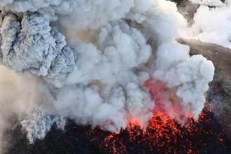 直播》繼2011大爆發後 九州新燃岳火山再噴千米高!