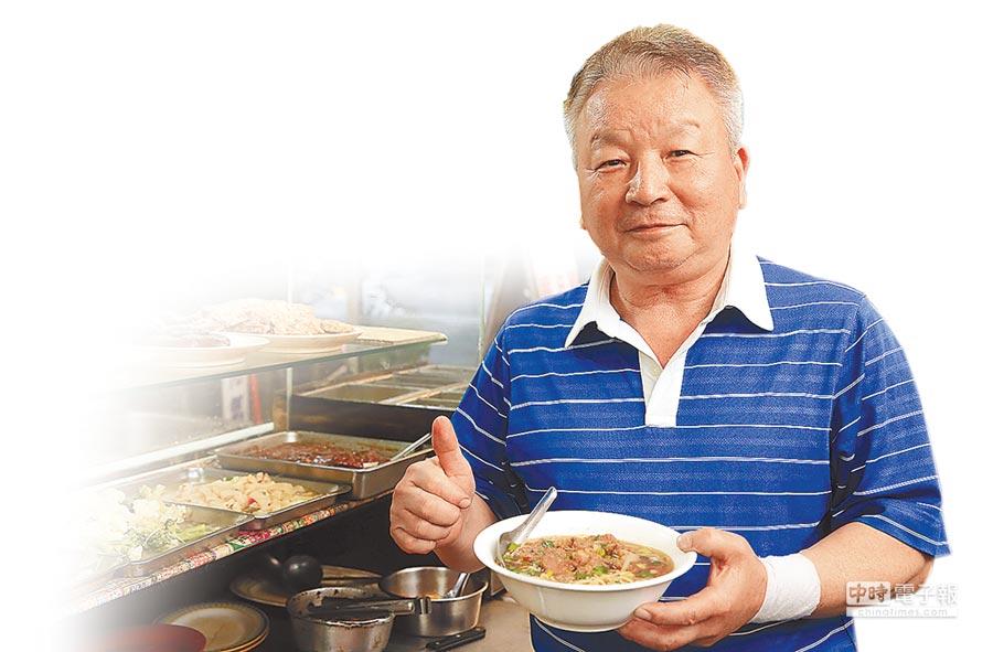 何家排骨酥簡餐店開店27年,老闆說經營理念就是用心堅持,每個步驟都絕不馬虎。 (黃國峰攝)