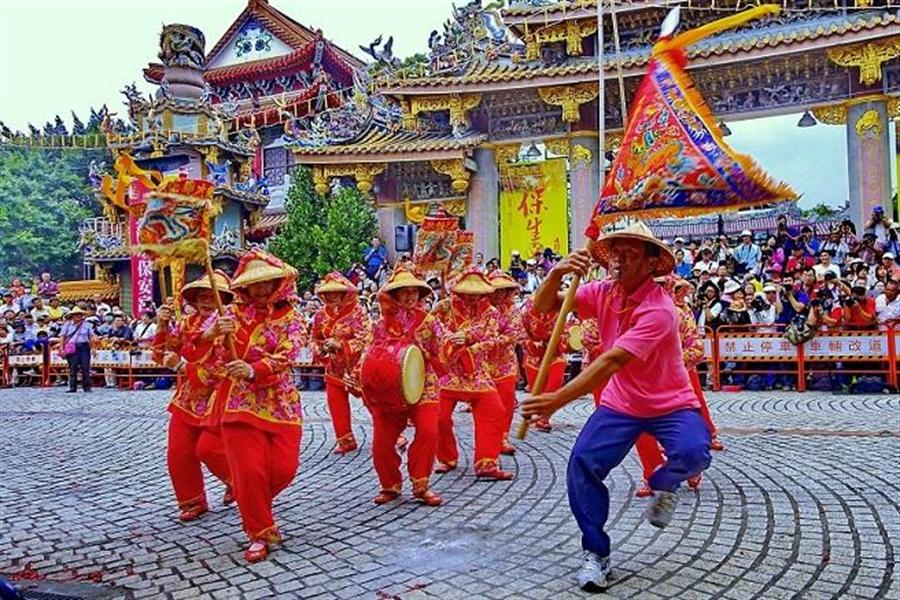 每年的保生文化祭皆有來自各地的藝閣及陣頭參加,宛如民俗藝術嘉年華。(攝影/周家有)