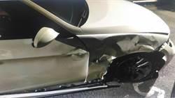 進口轎車闖紅燈撞擊機車  警追肇逃駕駛