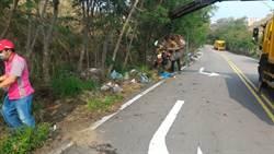 沙鹿舞衫公園周邊道路遭棄置垃圾中市府清除並追查行為人