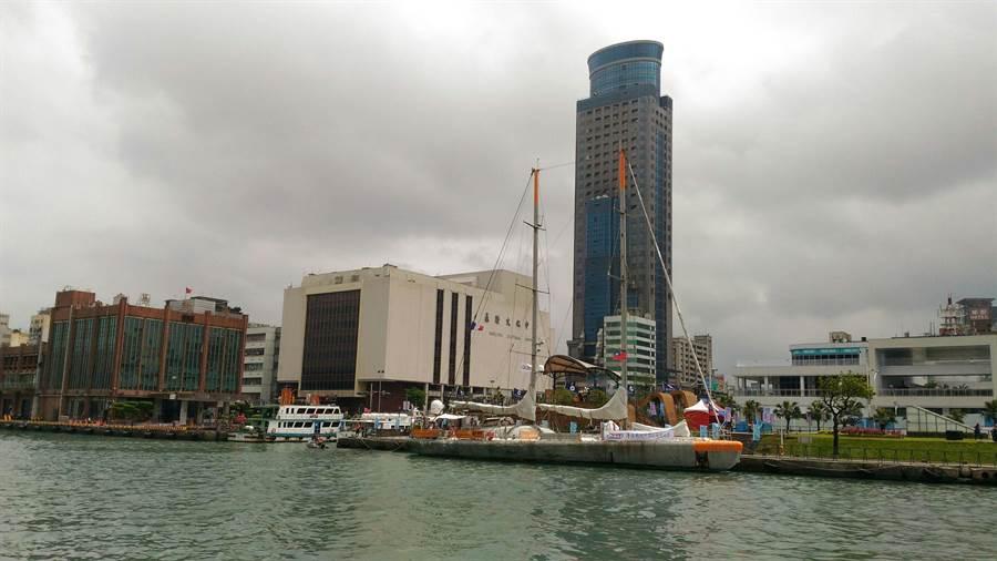 法國籍科學研究調查帆船TARA號,今(27)日中午抵達基隆港東1碼頭,展開為期5天的訪台行程,明(28)日起至31日開放參觀。(海大提供)