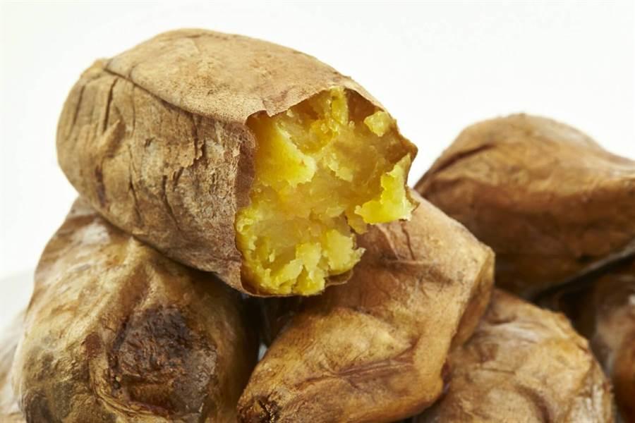 「宜蘭瓜哥」販售的黃地瓜,是人氣銷售NO.1,堅持最好品質就是他的祕訣之所在。(張穎齊翻攝)