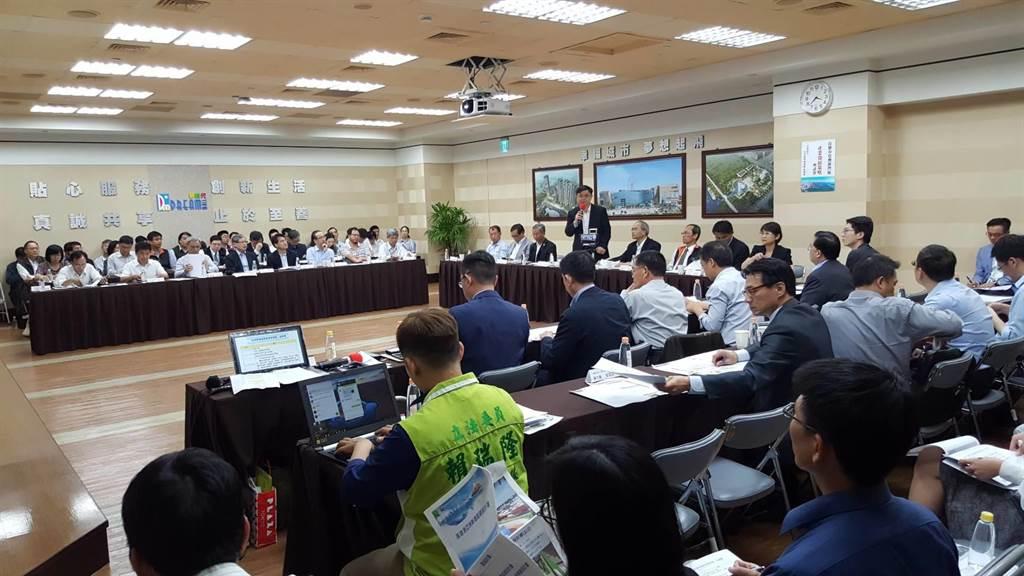 DC21地主開發促進會與立委賴瑞隆,今日下午3時召開「高雄市亞洲新灣區產業發展策略」座談會。(圖/顏瑞田攝)