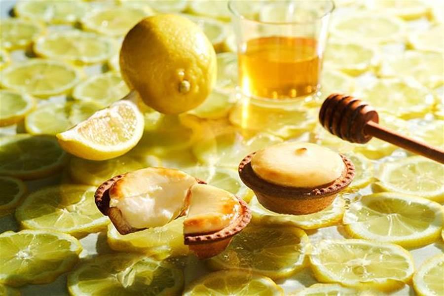 「瀨戶內蜂蜜檸檬起司塔」期間限定1個月販售。(BAKE CHEESE TART提供)