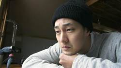 男神呆萌魅力大爆發!蘇志燮拍韓國新節目《森林中的小屋》表情多變像拍畫報