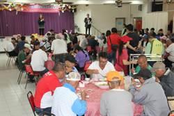 南市社會局復活節邀80街友共餐  鼓勵邁向自立新生活