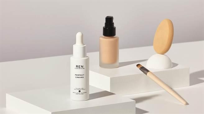 打造完美底妝的第一步,就跟畫畫一樣,如何讓肌膚回復到如同潔淨畫布般的健康膚質是關鍵!(圖/品牌提供)