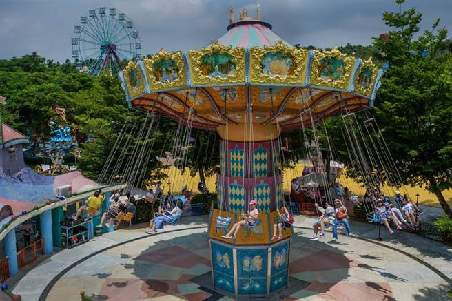 麗寶樂園祭出兒童節大禮,讓大人也能開心同享兒童價499元。(圖/麗寶樂園)
