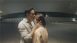 何潤東和楊晴唯美親吻 一鏡到底累壞劇組